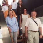 07 Jangled Nerves: Gruppenbild auf der Treppe